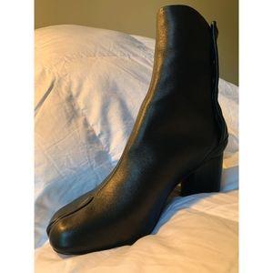 MM Tabi Lookalike Boots